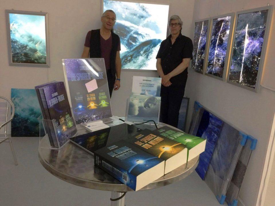 Sphären-Trilogie und Ausstellungs-Exponate